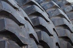 卡车轮胎堆背景 免版税库存图片