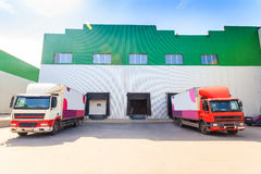 卡车,装货,存贮 免版税库存图片