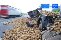卡车崩溃 免版税库存照片