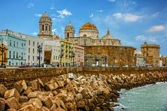 卡迪士西班牙 沿海岸区大教堂Church园地del苏尔 库存照片