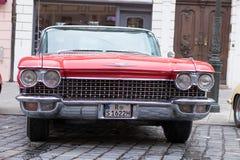 卡迪拉克Coupe de Ville在Fuggerstadt经典之作的老朋友汽车 图库摄影