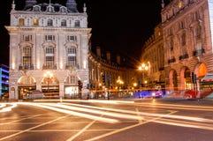 卡迪里马戏、著名公路交叉点和Lond银行营业厅  免版税图库摄影