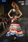 卡门Rojo在Pasarela Flamenca赫雷斯陈列汇集2015年 免版税库存图片
