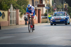 卡马伊奥雷,意大利- 2015年3月11日:专业骑自行车者 库存照片