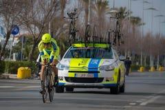 卡马伊奥雷,意大利- 2015年3月11日:专业骑自行车者 免版税库存图片