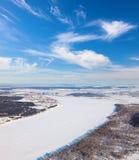卡马河在冬天,顶视图 库存照片