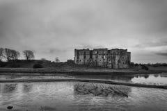 卡鲁城堡Pembrokeshire南威尔士英国 免版税图库摄影