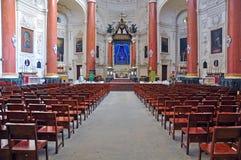 卡默利特平纹薄呢教会内部在瓦莱塔,马耳他 库存照片