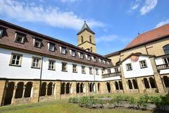 卡默利特平纹薄呢教会的内在围场在琥珀, Franconia,德国 免版税库存图片