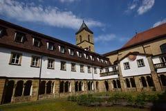 卡默利特平纹薄呢教会的内在围场在琥珀, Franconia,德国 库存照片
