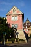 卡默利特平纹薄呢教会的看法在琥珀, Franconia,德国 库存图片