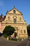 卡默利特平纹薄呢教会的看法在琥珀, Franconia,德国 免版税库存图片