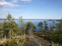 他卡累利阿人的海岛 湖Ladoga岸 免版税库存照片