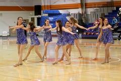 卡洛尔大学Pom跳舞队 免版税库存图片