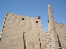 卢克索神庙—阿蒙镭中央寺庙的废墟  免版税库存图片