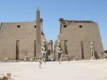 卢克索神庙—阿蒙镭中央寺庙的废墟  库存图片