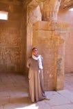 卢克索,埃及- 2011年10月31日:卫兵的画象在Hathor寺庙的在Deir el麦地那 免版税库存图片