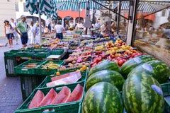 卢加诺,瑞士新鲜的水果和蔬菜市场  免版税库存照片