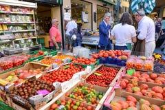 卢加诺,瑞士新鲜的水果和蔬菜市场  免版税库存图片