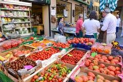 卢加诺,瑞士新鲜的水果和蔬菜市场  库存图片