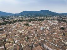 卢卡市 鸟瞰图 意大利 在视图之上 库存图片