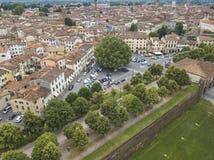 卢卡市 鸟瞰图 意大利 在视图之上 免版税图库摄影