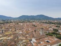 卢卡市 鸟瞰图 意大利 在视图之上 免版税库存照片