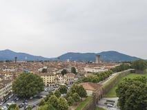 卢卡市 鸟瞰图 意大利 在视图之上 免版税库存图片