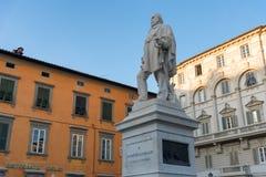 """卢卡,意大利†""""2017年5月23日:朱塞佩・加里波底雕象在卢卡 库存图片"""