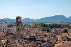 卢卡,意大利屋顶视图 免版税库存图片