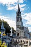 卢尔德在秋天,法国大教堂的看法  图库摄影