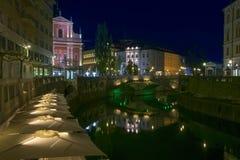 卢布尔雅那市,斯洛文尼亚夜视图  库存图片