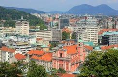 卢布尔雅那集中-方济会教会和Neboticnik,斯洛文尼亚 库存图片
