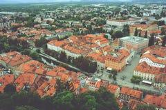 卢布尔雅那,斯洛文尼亚- 2017年8月15日-对老城市的全景从卢布尔雅那城堡的顶端 图库摄影