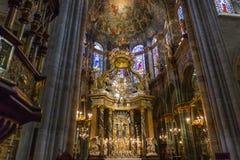 卢戈大教堂的中央教堂中殿  免版税库存图片