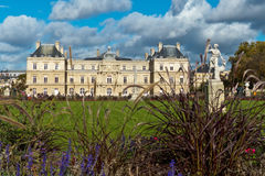 卢森堡公园庭院在巴黎法国 免版税库存照片