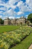 卢森堡在巴黎,法国从事园艺(卢森堡公园) 图库摄影