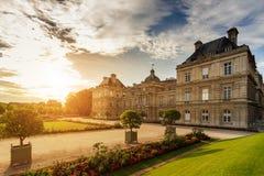 卢森堡宫殿在晴天 欧洲旅游中心 库存图片