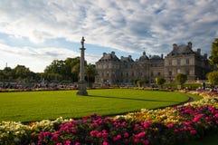 卢森堡从事园艺巴黎 免版税库存照片