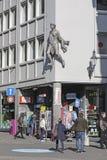 卢赛恩和女性雕象街道视图  库存照片