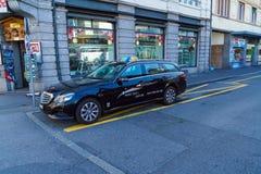 卢赛恩,瑞士- 2017年10月19日:昂贵的默西迪丝汽车 免版税库存照片