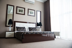 卧室内部旅馆 免版税库存图片