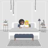 卧室内部现代 在窦的年轻成人夫妇  皇族释放例证