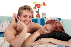 卧室夫妇修饰 免版税库存照片