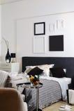 卧室完全装饰了si白色 库存图片