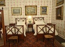 卧室家具在不是全国信任财产的利兹西约克郡附近的一栋美丽的乡间别墅里 图库摄影