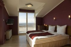 卧室方便的旅馆 免版税库存图片