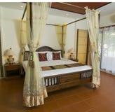 卧室样式泰国热带 库存图片