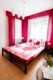 卧室红色 免版税库存图片