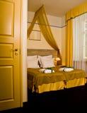 卧室舒适旅馆 免版税库存图片